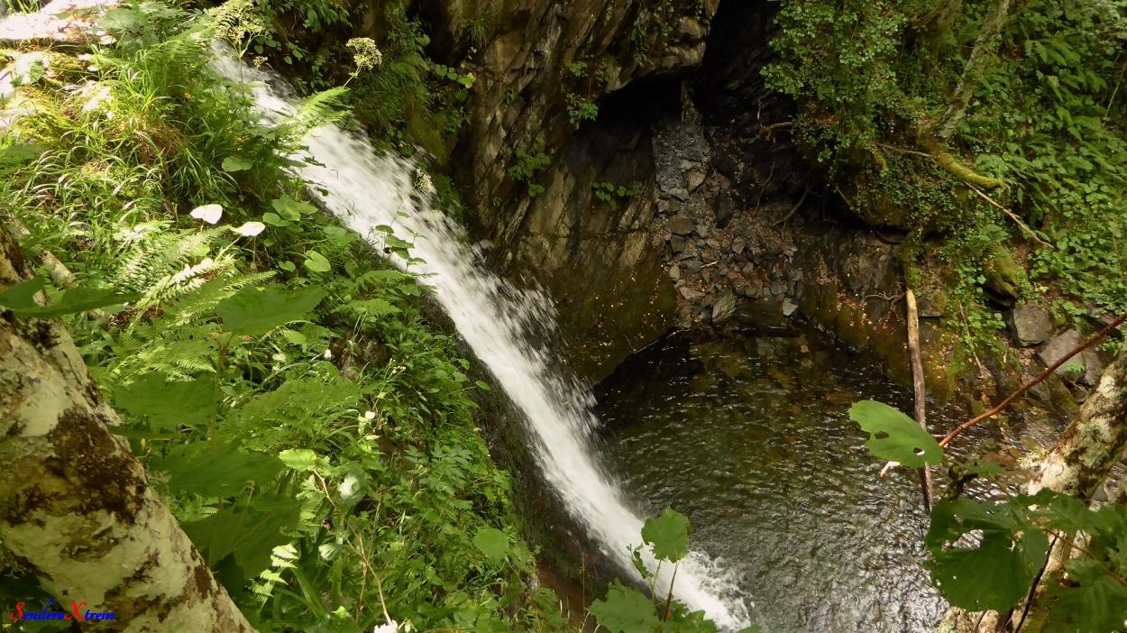 Cascada Pimpanón